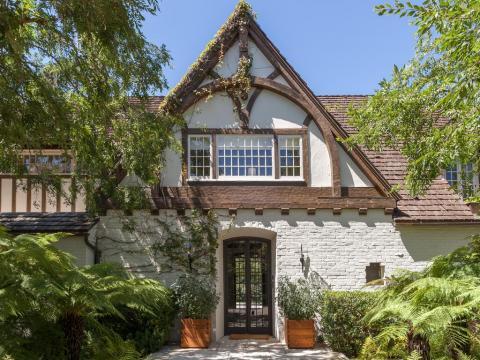 Brad Pitt and Jennifer Aniston's LA newlywed mansion up for sale Georgia