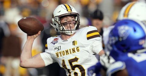 Wyoming rolls over Georgia State 38-17 in Arizona Bowl